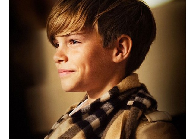 Romeo Beckham returns for Burberry Christmas advert!