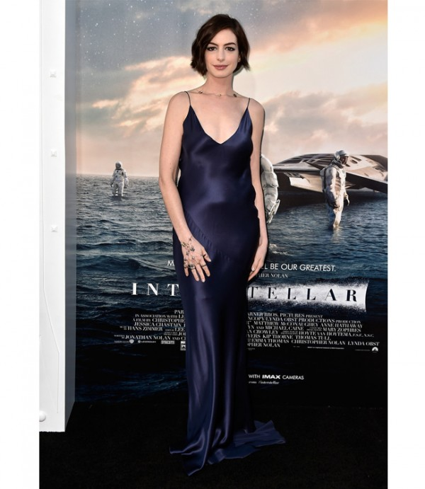 Anne Hathaway wows in Richard Nicoll for Interstellar premiere