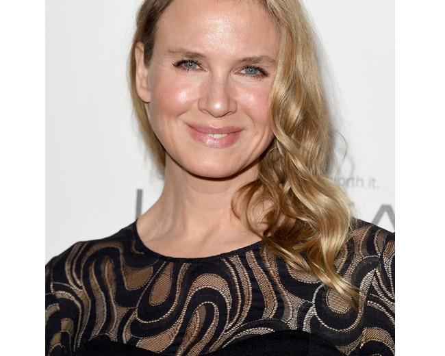"""Renée Zellweger talks about her new face, says she's """"thrilled"""" to look different"""