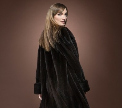 6 Amazing fur coats for a fashionable winter