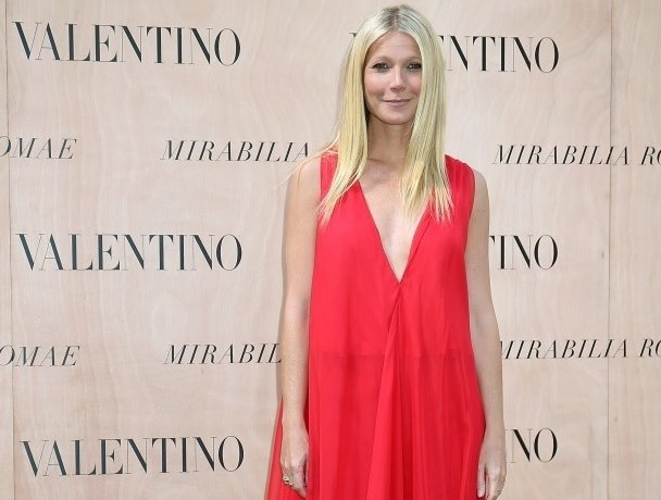Get Gwyneth Paltrow's Striking Hot Valentino Look