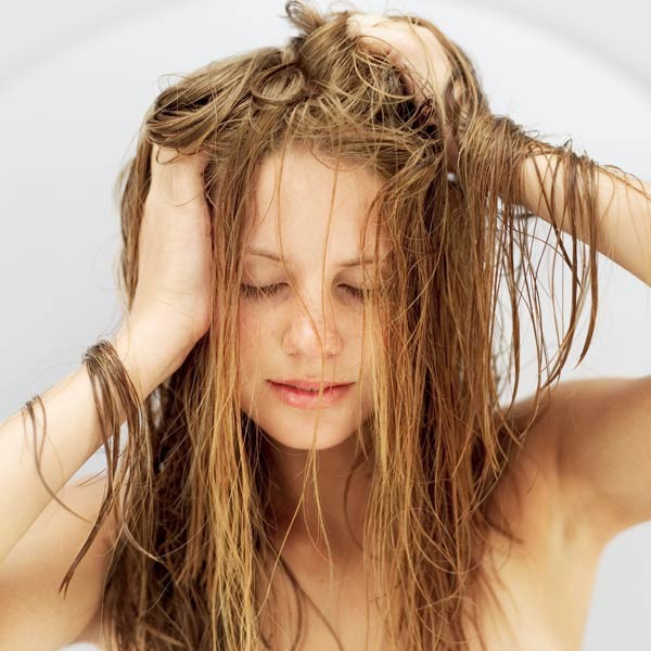 How to Treat Oily Hair & Itchy, Dry, Flaky Scalp