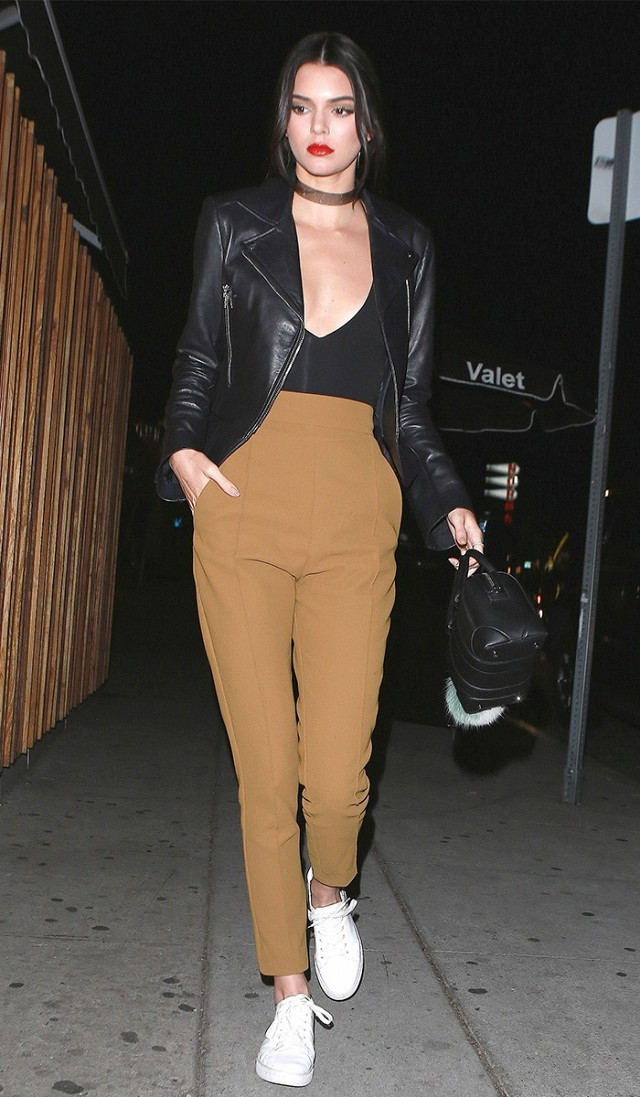 kendall-jenner-wore-sneakers-to-her-favorite-la-club-1628886-1453323944.640x0c
