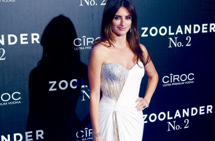 Yay Or Nay? Penelope Cruz Attends Zoolander No. 2 Madrid Premiere In Atelier Versace