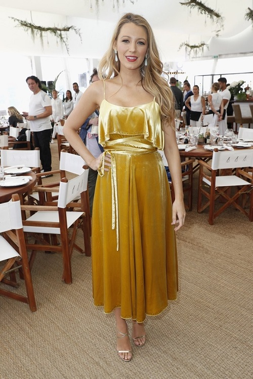 BLAKELIVELY-CANNES-GOLDDRESS