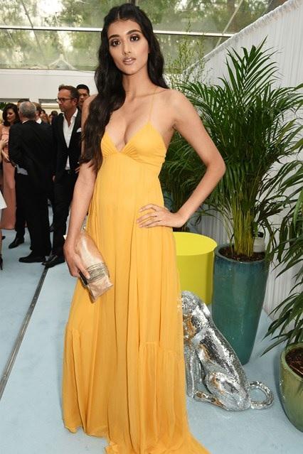 Neelam-Gill-Glamour-Awards-2016