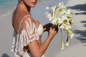 Brazilian Model Isabeli Fontana Weds In Barely There Weddding Dress