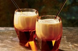 10 Festive Drinks To Try This Holiday Season!