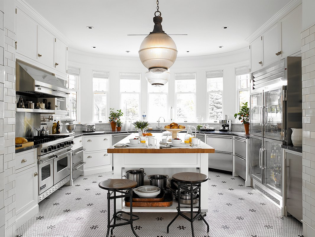 How to incorporate french bistro design into your kitchen for Inspired kitchen design