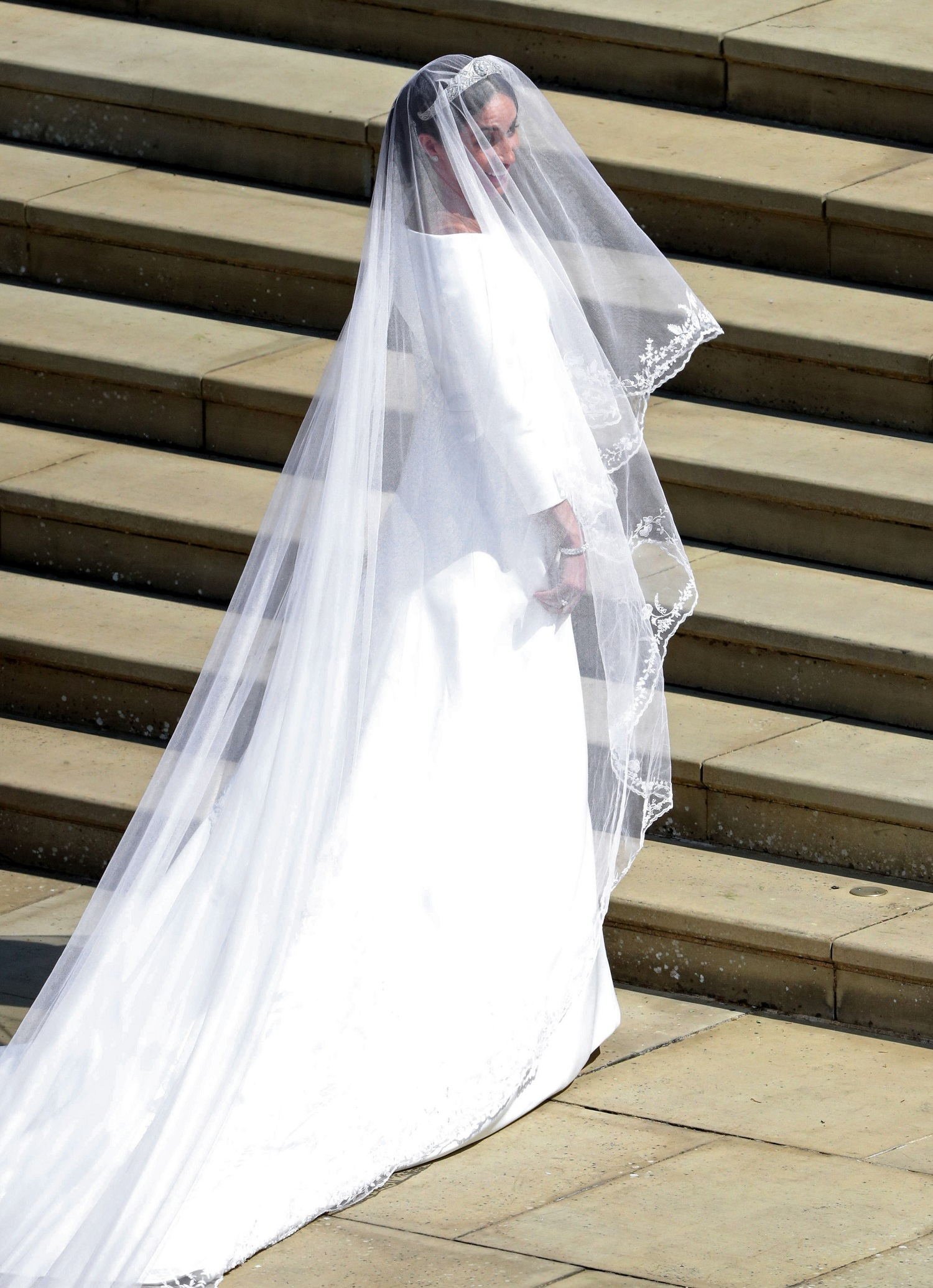 Meghan Markles Givenchy Wedding Dress Was Absolutely Stunning