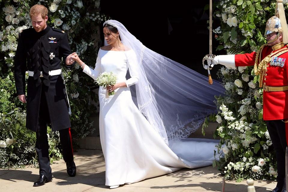 meghan-markles-givenchy-wedding-dress